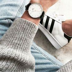•Daniel Wellington (Información por mensajería interna) •Adidas Superstar ($240.000)  WhatsApp: 313 275 86 29 Snapchat: LuxetteW