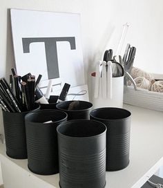 diy rentree pot a crayon Black And White Office, Black White, Charcoal Black, Pot A Crayon, Recycle Cans, Upcycle, Do It Yourself Inspiration, Diy Casa, Creation Deco