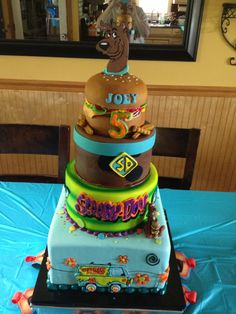 Super cute Scooby Doo cake