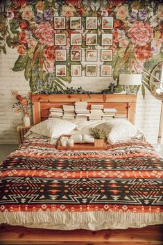 Discover ideas about Bedroom Decor Boho « Home Decor Hippie Bedroom Decor, Room Decor Bedroom, Hippie Bedrooms, Bohemian Bedroom Design, Garden Bedroom, Vintage Bedroom Decor, Bohemian Decorating, Floral Bedroom, Cozy Bedroom