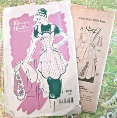 Marian Martin 9091  Vintage 1950s Womens Apron by Fragolina