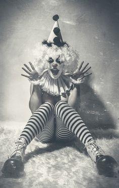 "darkbeautymag: ""Amuse Me"" – Photographer/Retoucher: Eduardo Gomez Muñoz - Alter ShootingsModel: Jess-k Rou"
