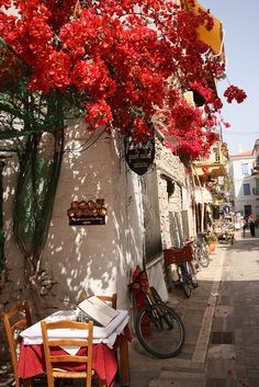Street scene in Nafplio, Peloponnese-Greece / Grecia Santorini, Mykonos, Places To Travel, Places To See, Places Around The World, Around The Worlds, Beautiful World, Beautiful Places, Image Zen