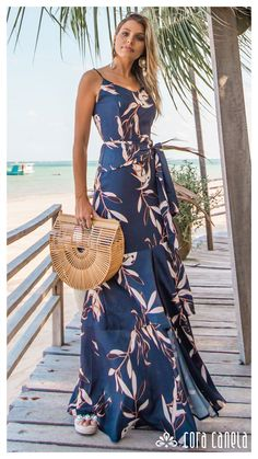 Veruska Blasck veste: vestido Cora Canela Striped Maxi Dresses, Cute Dresses, Summer Dresses, Dress Outfits, Fashion Outfits, African Dress, Holiday Outfits, Feminine Style, Homecoming Dresses
