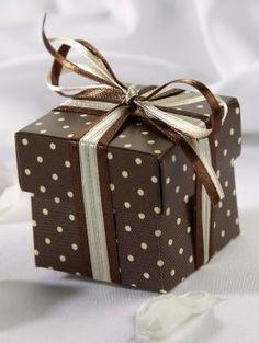 Simple but cute favor box.