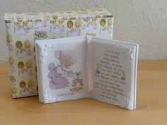 """1993 Precious Moments Girl Prayer Plaque """"Love Is Kind"""" Open Book $25.00"""