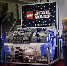 LEGO Organ that plays Star Wars theme
