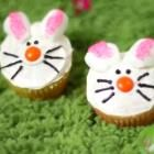 Adorable bunny cupcakes with marshmallow ears! Watch the video to see how to make them and get other ideas for decorating cupcakes this Easter. Easter Bunny Cupcakes, Easter Dishes, Sour Cream Cake, Yummy Cupcakes, Birthday Cupcakes, Easter Recipes, Cupcake Recipes, Dessert Recipes, Marshmallow