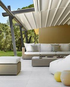 Pergola aus Metall – 40 inspirierende Beispiele und Ideen - pergola metall terrassenüberdachung sichtschutz terrasse rattan gartenmöbel