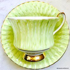 Tea Cup Set, My Cup Of Tea, Tea Cup Saucer, China Cups And Saucers, Teapots And Cups, Tea Art, Chocolate Pots, Vintage Tea, High Tea