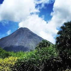 This view just never gets old! Costa Rica's largest crowd-pleaser: #Arenal #Volcano via @stephannierodriguez! #costarica #adventures #crexperts