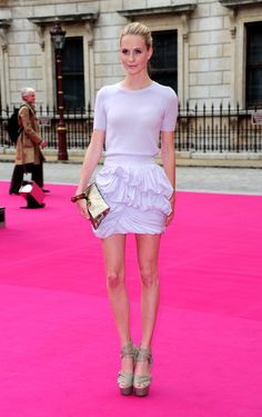 Poppy Delevigne Photo - Royal Academy Summer Exhibition 2010 - VIP Private View Arrivals