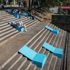 Resultado de imagen para sillas en espacios publicos