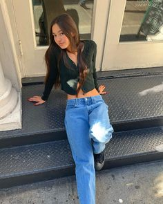new style clothes Fashion Killa, 90s Fashion, Fashion Outfits, Trendy Outfits, Summer Outfits, Girl Outfits, Lily Chee, London Jeans, Green Cardigan