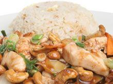 Kip met cashewnoten en rijst