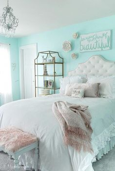 My Daughter's New Tween Room – 11 Magnolia Lane Easy and affordable decorating ideas for a teen/tween/girls room. Aqua Bedrooms, Teen Girl Bedrooms, Girls Bedroom Turquoise, Girl Rooms, Teen Bedroom, Bedroom 2018, Cute Bedroom Ideas, Girl Bedroom Designs, Bedroom Ideas For Tweens
