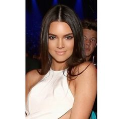 Kendall Jenner looked stunning last night at the Billboard Music Awards wearing Ardell Individual lashes. Celebrity makeup artist Etienne Ortega created her gorgeous look.