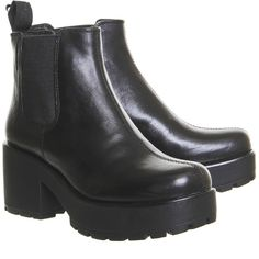 Vagabond Dioon Elastic Chelsea Boots Exclusive Black Leather (31.660 HUF) ❤ liked on Polyvore featuring shoes, boots, ankle booties, clothes - shoes, leather boots, leather booties, black leather ankle booties, black chelsea boots and chelsea boots
