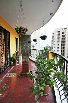 Balcony, athanuid tiles