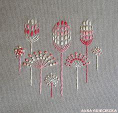 pink stylized dandelion embroidery bu Anna gnieciecka