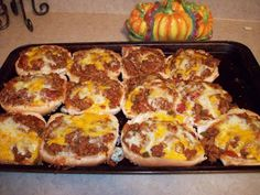 As I promised yesterday, here's a recipe that I created to use some jumbo seeded hamburger buns. As a little girl, we'd sometimes go to Tac. Cookbook Recipes, Pizza Recipes, Beef Recipes, Cooking Recipes, Hamburger Recipes, Hamburger Ideas, Dinner Recipes, Beef Meals, Eating Clean