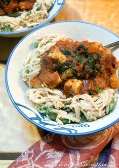 Alfredo Marinara Pasta! 100% vegan! The creamy pasta compliments the tomato sauce so well :)