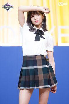 Twice-Jeongyeon 181108 M!Count Down Kpop Girl Groups, Korean Girl Groups, Kpop Girls, Suwon, Kpop Fashion, Asian Fashion, Nayeon, Ulzzang, Twice Jungyeon