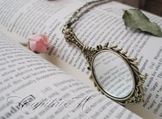 Stay Beautiful - Vintage Style Rose Hand Mirror Necklace