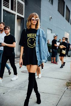 Boho Fashion 20 Most Stylish Graphic Tee Outfits for Spring 2020 Laura Rose Gold Thigh High Outfits, Thigh High Boots Outfit, Black Boots Outfit, Black Thigh High Boots, Knee Boots, High Boot Outfits, Outfits With Boots, Dress With Boots, Casual Boots