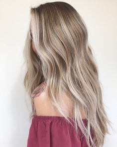 What Is Balayage - The Difference Between Balayage and Ombre (Definitive Guide) - The Trending Hairstyle Brown Ombre Hair, Brown Blonde Hair, Ombre Hair Color, Balayage Hair Blonde, Cool Hair Color, Copper Blonde, Blonde Curly Hair Natural, Fall Blonde Hair Color, Honey Balayage