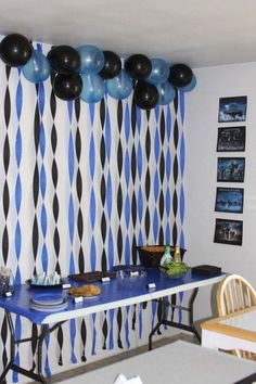 58 Creative Graduration Party Ideas Graduation Party Ideas 2017, Graduation Backdrops, Party Decorations Graduation, Graduation Photo Displays, Graduation Picture Boards, Grad Party Centerpieces, School Reunion Decorations, Graduation Balloons, Graduation Food