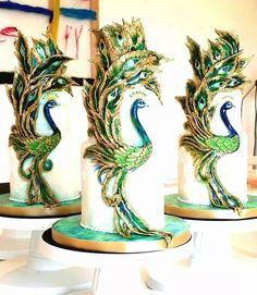 By kelvin Chua Peacock Cake, Peacock Wedding Cake, Wedding Birds, Wedding Cakes, Peacock Theme, Gorgeous Cakes, Pretty Cakes, Cute Cakes, Amazing Cakes