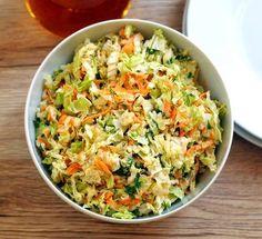 Surówka z kapusty pekińskiej i marchewki Green Veggies, Vegetables, Healthy Salads, Healthy Recipes, Good Food, Yummy Food, Yummy Mummy, Fried Rice, Salad Recipes