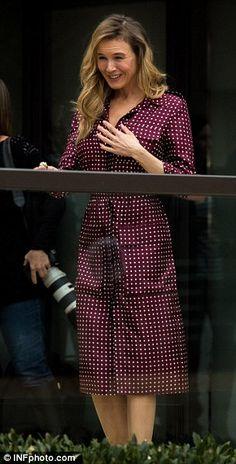 Renee Zellweger flaunts slender figure at Bridget Jones's Baby event