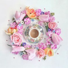 Instagram 上的 Kyoko / Yokohama:「 ・ A cup of coffee and flower circle. ・ Have a wonderful day my IG friends. ・ ・ コーヒーとフラワー・サークル。 ・ ステキな日であります様に。 ・ ・ ・ #9vaga_shabbysoft9… 」