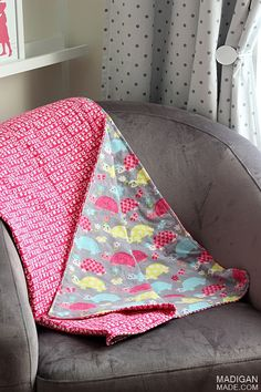 How to make a simple DIY blanket