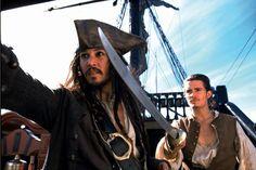 SYNOPSIS: Dans la mer des Caraïbes, au XVIIe siècle, Jack Sparrow, flibustier gentleman, voit sa vie idylle basculer le jour où son ennemi, le perfide capitaine Barbossa, lui vole son bateau, le Bl…Avant la sortie du nouveau volet Stéphanie Gaillard revient sur la franchise Pirates des Caraïbes! Aujourd'hui: La Malédiction du Black Pearl