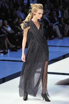 Chanel at Couture Fall 2009 - Runway Photos