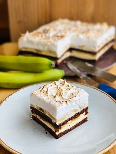 Baby Food Recipes, Cake Recipes, Cooking Recipes, Ferrero Rocher Cheesecake, Romanian Desserts, Food Cakes, Feta, Caramel, Food And Drink