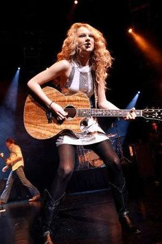Taylor performing on Feb 17th 2008...