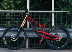 YT Tues CF Pro Visit snowsportsproduct… for endorsed products with big discounts. Mountain Bike Shoes, Mountain Biking, Fully Bike, Vtt Dirt, Bicycle Paint Job, Montain Bike, Mt Bike, Downhill Bike, Bicycle Maintenance