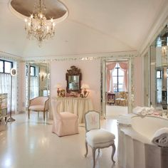 my dream bathroom - lovely, but who would want to clean it. Oh, that's right, the maid...