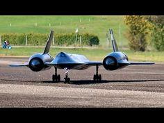 LOCKHEED SR-71 BLACKBIRD GIGANTIC RC SCALE MODEL JET FLIGHT DISPLAY / RC Airshow Hausen 2015 - YouTube