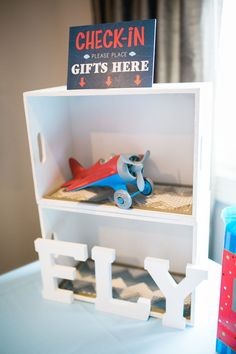 Trendy baby shower themes for boys planes airplane birthday parties ideas Planes Birthday, Planes Party, 1st Birthday Themes, Birthday Party Tables, 1st Boy Birthday, Boy Birthday Parties, Birthday Party Decorations, Birthday Ideas, Airplane Baby Shower