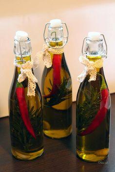 Elena Isst ...: Chili-Knoblauch-Rosmarin Öl