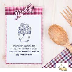 En güzel mutfak paylaşımları için kanalımıza abone olunuz. http://www.kadinika.com Patates kızartmasına hepimiz bayılıyoruz? Peki mutfak ustaları yağ çekmemiş kızartmalar yapmanın sırrını biliyor mu? :) #bencorbaseverim#tarif#recipe#mutfak#mutfakgram#çorba#soup#food#yum#instafood#yummy#instagood#tasty#foodie#delicious#foodpic#foodgasm