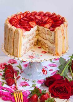 Amazing no-bake strawberry tiramisu cake! Tastes just like tiramisu but with strawberries! Made with lady fingers, berries and custard cream filling. Strawberry Mousse Cake, Strawberry Cake Recipes, Cuisinart Food Processor, Food Processor Recipes, Tatyana's Everyday Food, Tiramisu Dessert, Baked Strawberries, Savoury Cake, No Bake Desserts