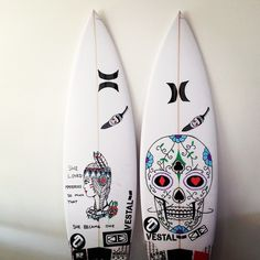 Need anything surf related? Surfboard Painting, Surfboard Art, Hearts And Bones, Posca Art, Summer Surf, Summer Time, Soul Surfer, Surf Design, Surf Trip