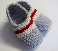 Your order has been submitted. Crochet Slipper Pattern, Crochet Slippers, Crochet Designs, Crochet Patterns, Baby Kimono, Mommy Workout, Owl Hat, Slipper Socks, Trends