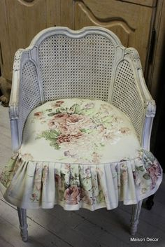 Chair slipcover in Faded Roses by  by Annie Sloan Fabric Collection Maison Decor
